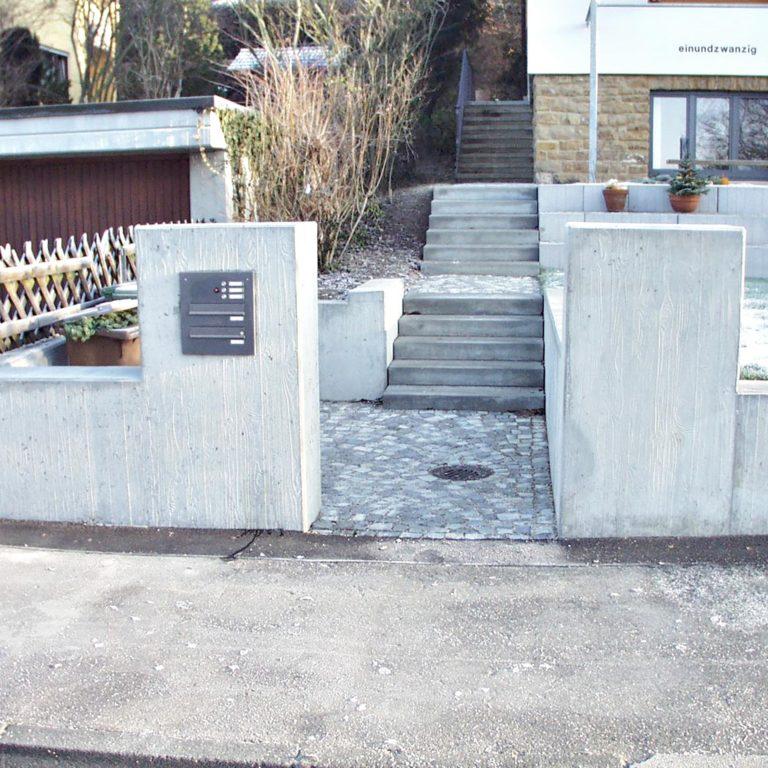 Gauder-bau-stuttgart-Außenanlagen Sichtbetonmauer Fischer Degerloch 08.2003-05