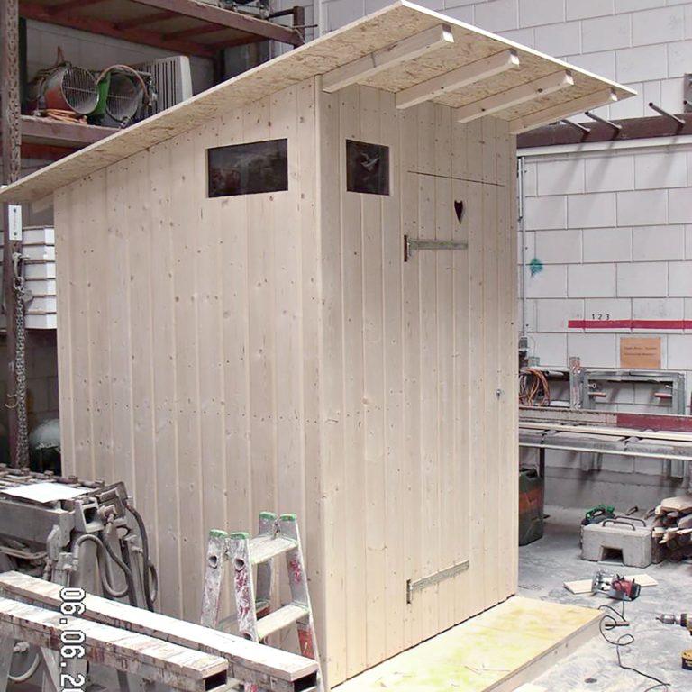 Gauder-bau-stuttgart-Holzbau WC-Haus 06.2006-02